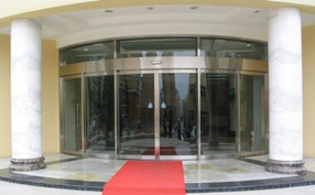 风水大师讲解:弧形的商铺门厅有什么禁忌?